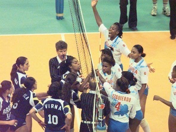 Cuba e Brasil rivalidade no vôlei feminino na década de 1990