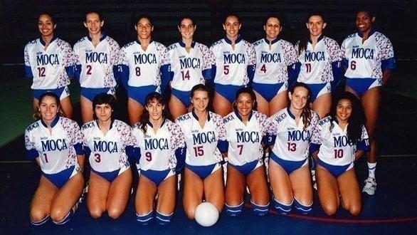 Leite Moça primeiro campeão da Superliga Feminina de vôlei