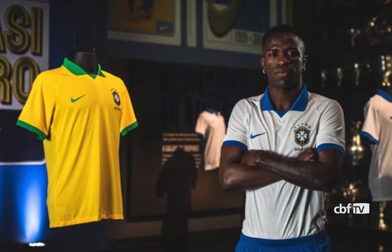 Camisa branca do Brasil
