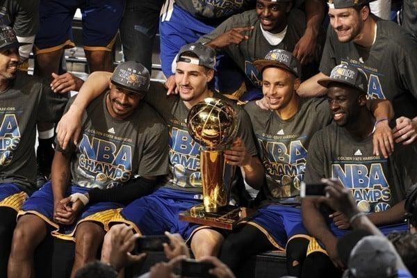 Golden State Warriors campões da NBA em 2015 com Leandrinho