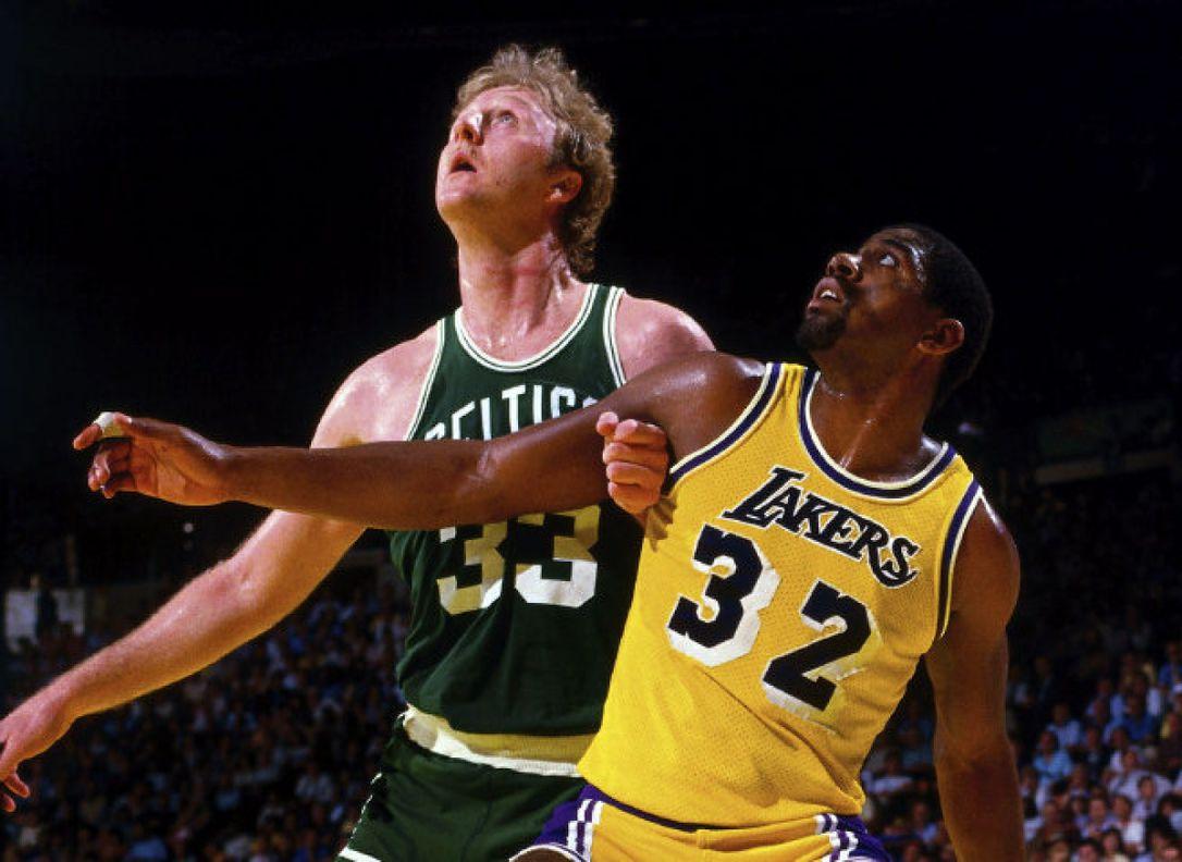 Larry Bird e Magic Johnson em Celtics x Lakers