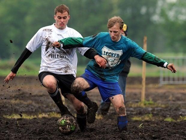 Futebol de pântano
