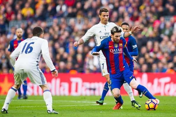 Messi e Cristiano Ronaldo futebol de campo