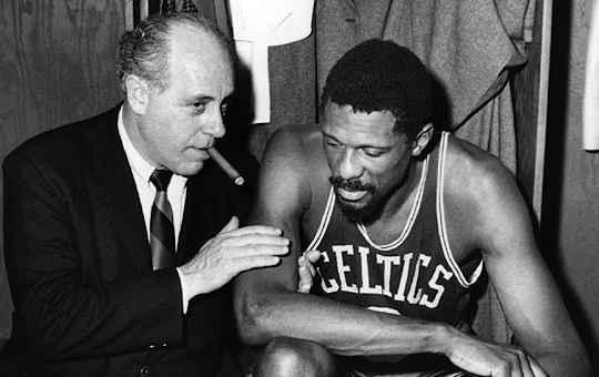 Red Auerbach técnico do Boston Celtics