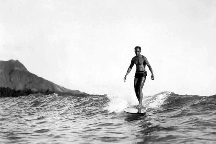 Duke Paoa Kahanamoku surf