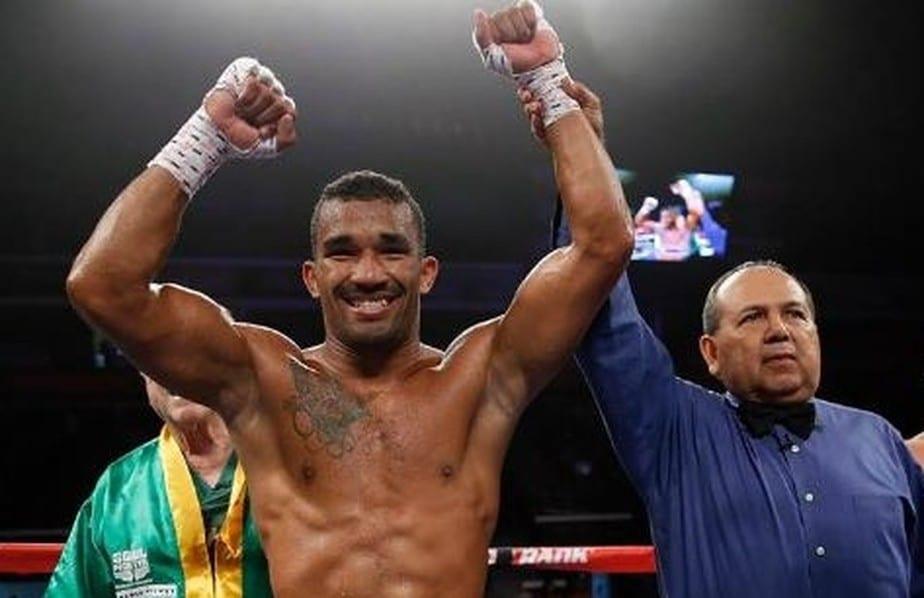 Esquiva Falcão declarado vencedor em luta do boxe