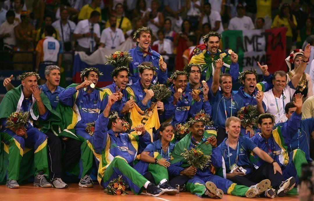 Brasil campeão olímpico de vôlei masculino em Atenas 2004