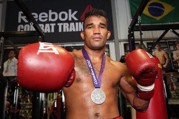 Boxeador Esquiva Falcão