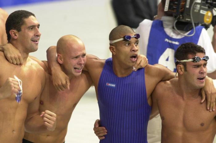 Brasil medalha de bronze em Sydney no revezamento 4 x 100 metros livre