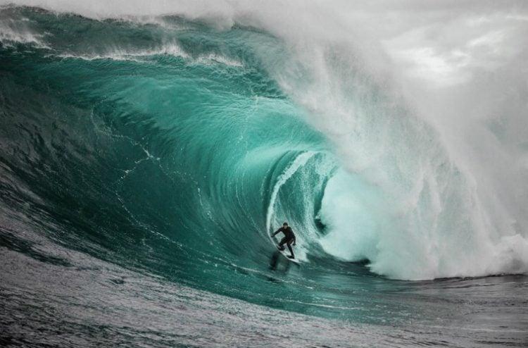 Como são formadas as ondas gigantes