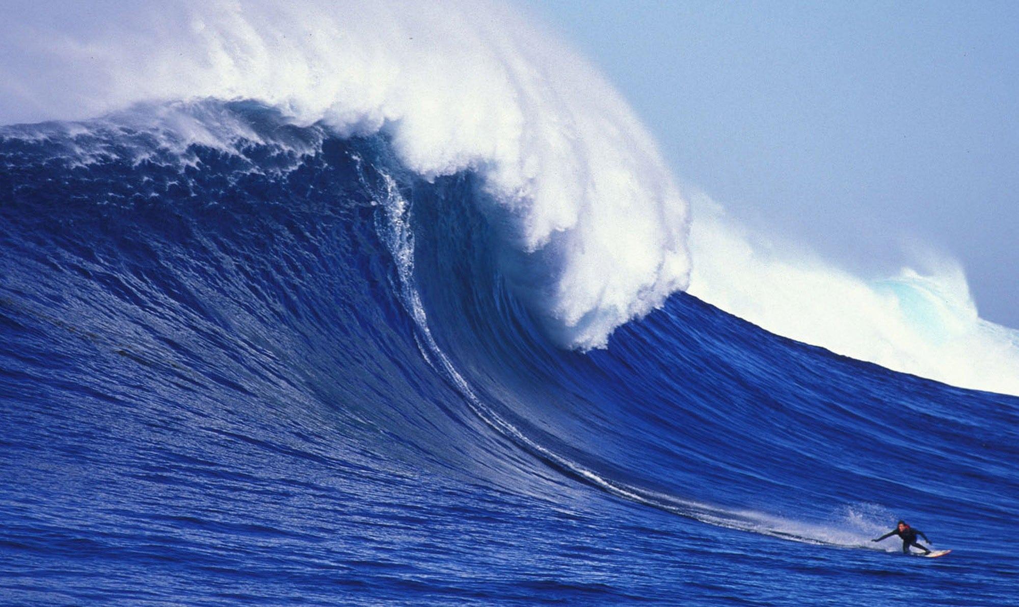Cortes Bank, na Califórnia,formas surpreendentes ondas gigantes