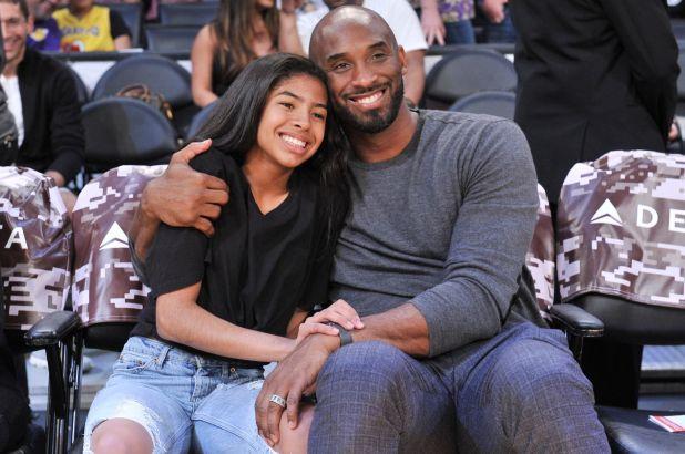 Kobe Bryant e a filha Gianna morreram em uma acidente de helicóptero