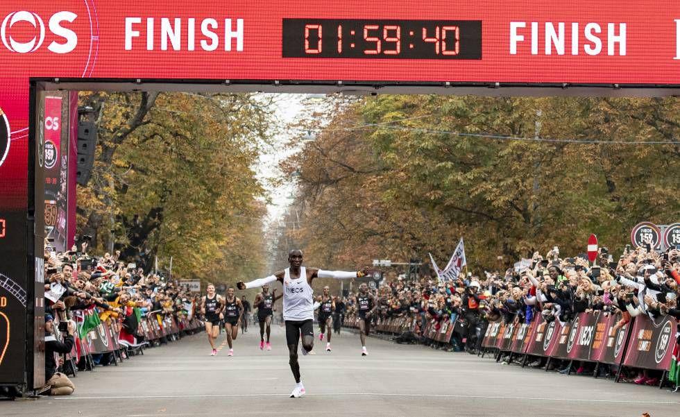Eliud Kipchoge é recordista mundial da maratona