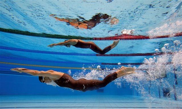Regras da natação golfinhada