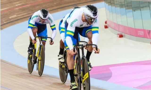Velocidade por equipes no Ciclismo de Pista
