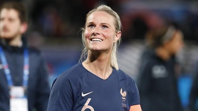 Amandine Henry melhores jogadoras de futebol feminino