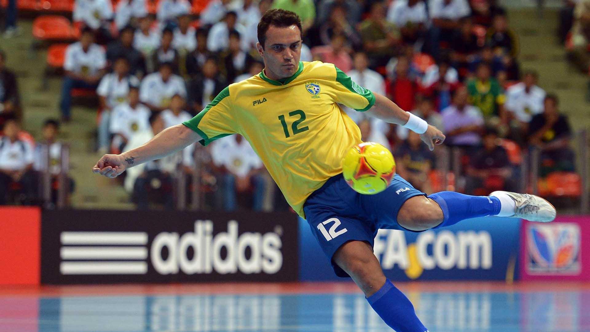 Os 10 Melhores Jogadores De Futsal Do Mundo Na Historia