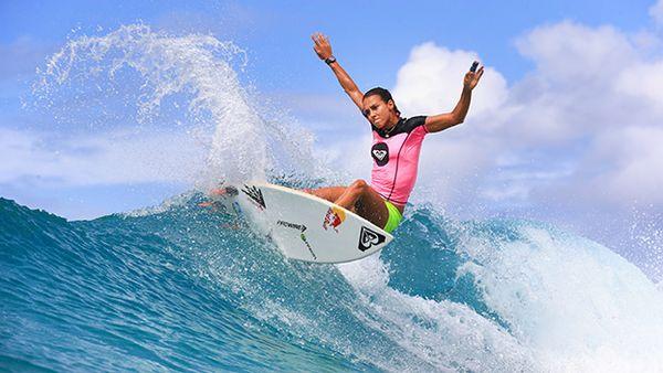 Sally Fitzgibbons as melhores surfistas do mundo na atualidade