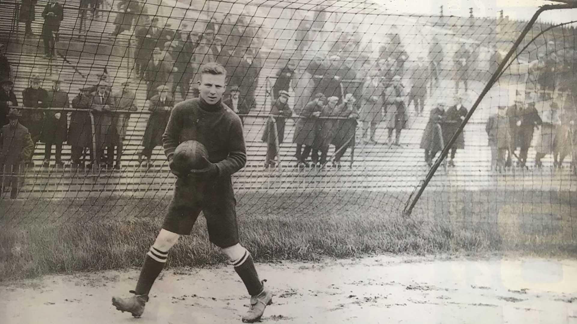 harry hibbs goalkeeper