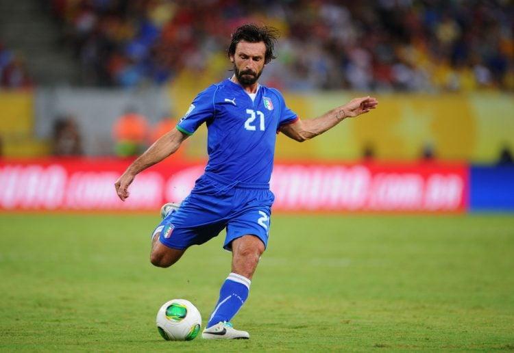 Andrea Pirlo durante jogo da seleção italiana