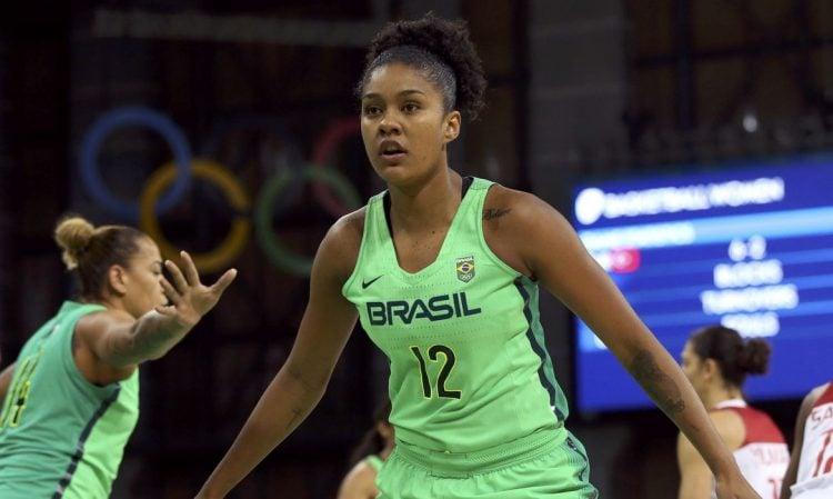 Damiris Dantas em atuação pela Seleção Brasileira