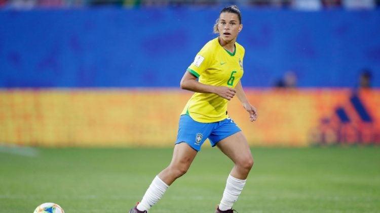Tamires em atuação pela Seleção Brasileira