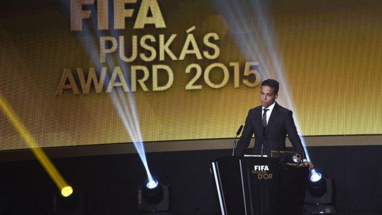 Foto de Wendell Lira no Prêmio Puskas 2015