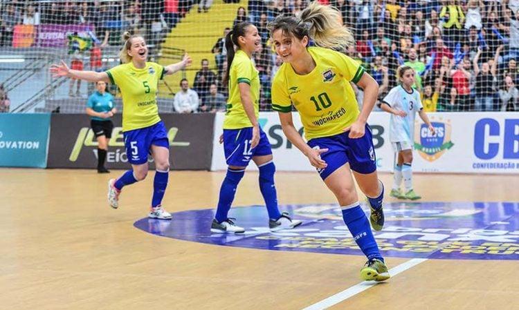 Amandinha em atuação pela Seleção Brasileira