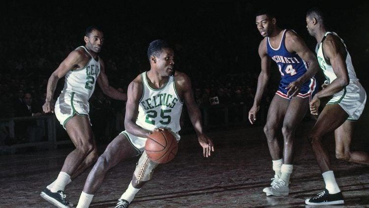 K.C Jones durante jogo do Celtics