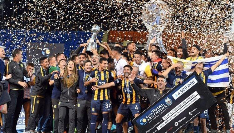 Imagem de comemoração do Rosario Central na Copa da Argentina