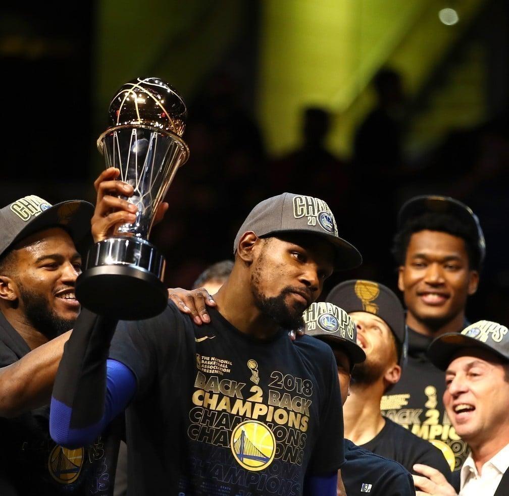 Kevin Durant, jogador profissional de basquete