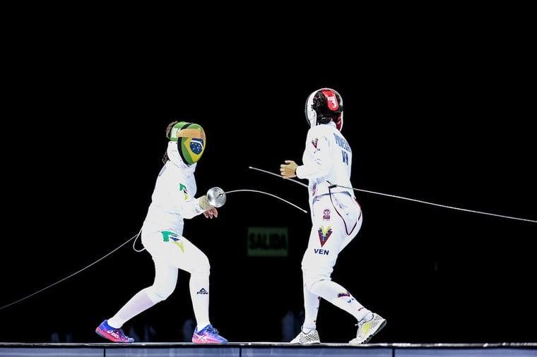 Imagem de Nathalie Moellhausen competindo pelo Brasil
