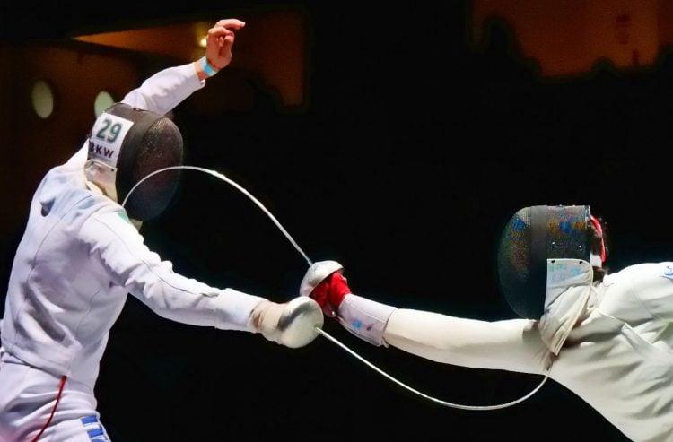 Imagem de partida de Esgrima durante as Olimpíadas