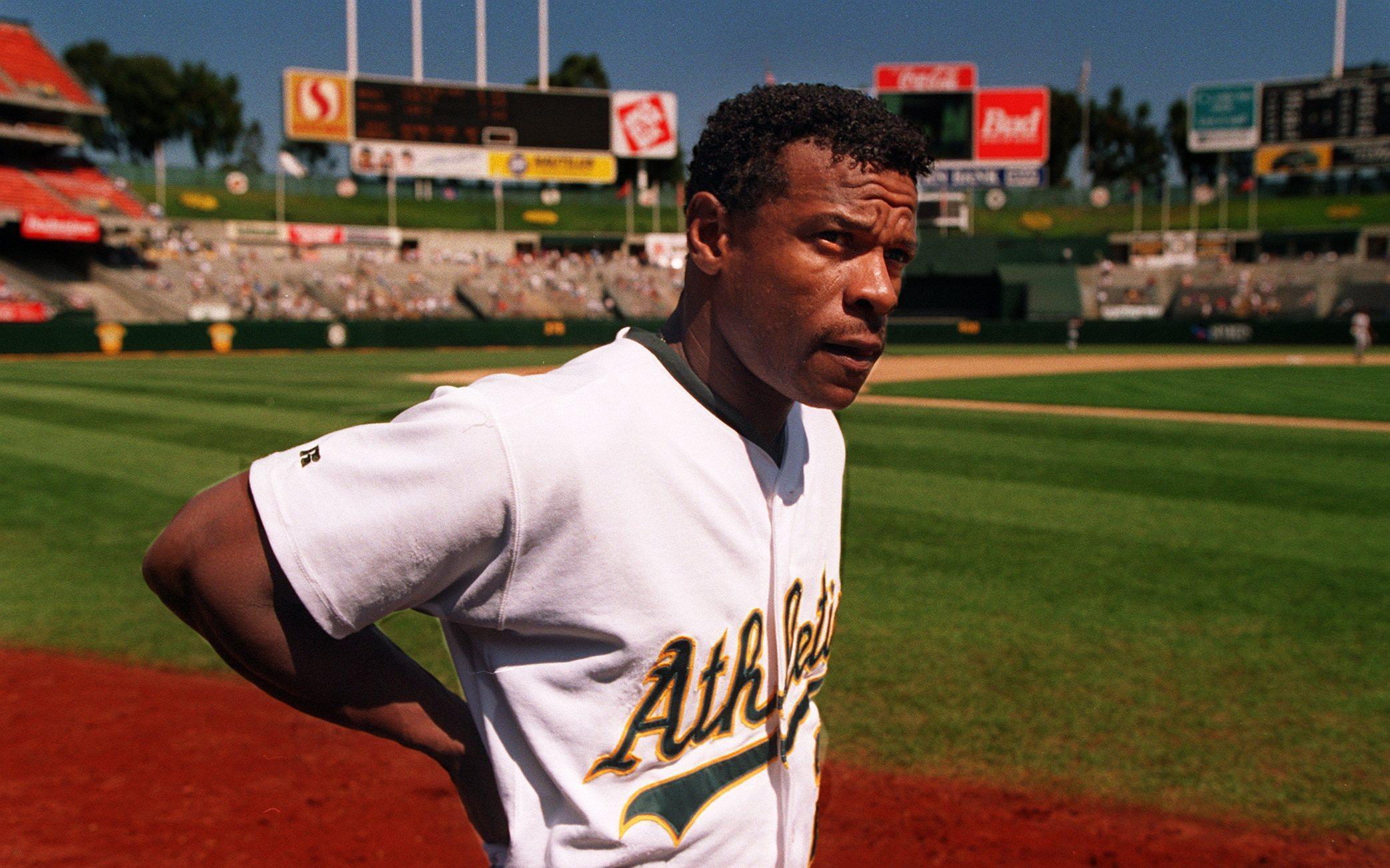 Rickey Henderson, um dos maiores jogadores do Oakland Athletics