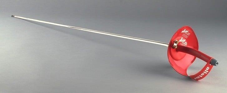 Sabre, uma dos principais equipamentos da esgrima