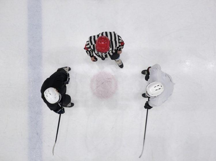 O capacete é um dos mais importante equipamentos do hóquei