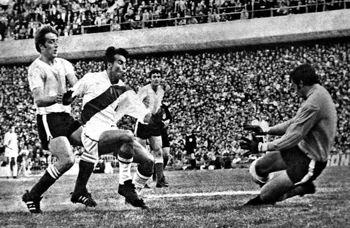 Oswaldo Ramirez, um dos maiores artilheiros da Libertadores