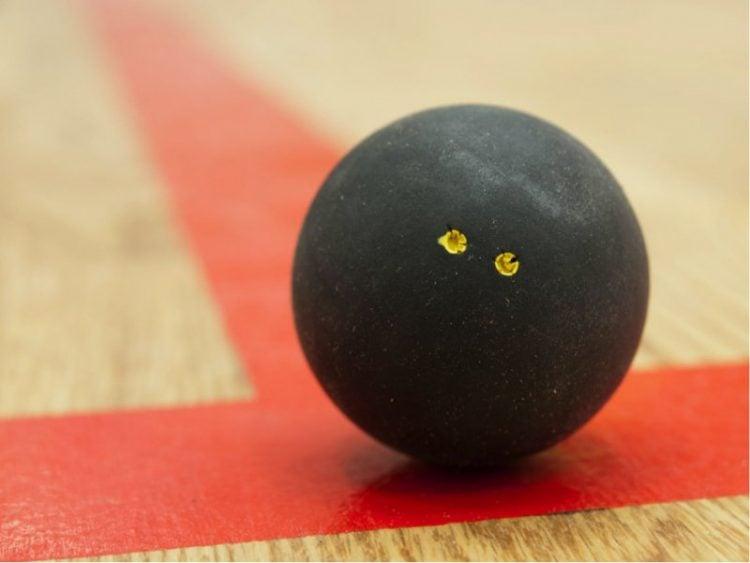 Você pode aprender como escolher bola de squash a partir de suas cores